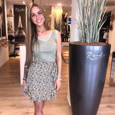 LaNorsa green flower skirt
