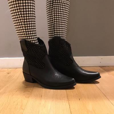 LaNorsa cowboy boots