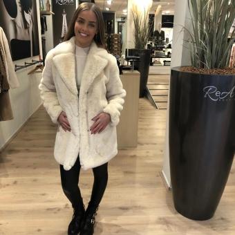 LaNorsa Furry white