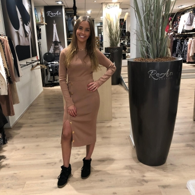 LaNorsa sand stretch dress