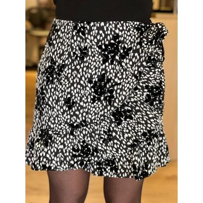 LaNorsa velvet black white skirt