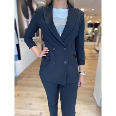 LaNorsa black suit