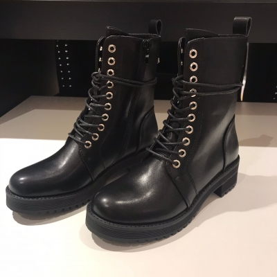 Chest boots